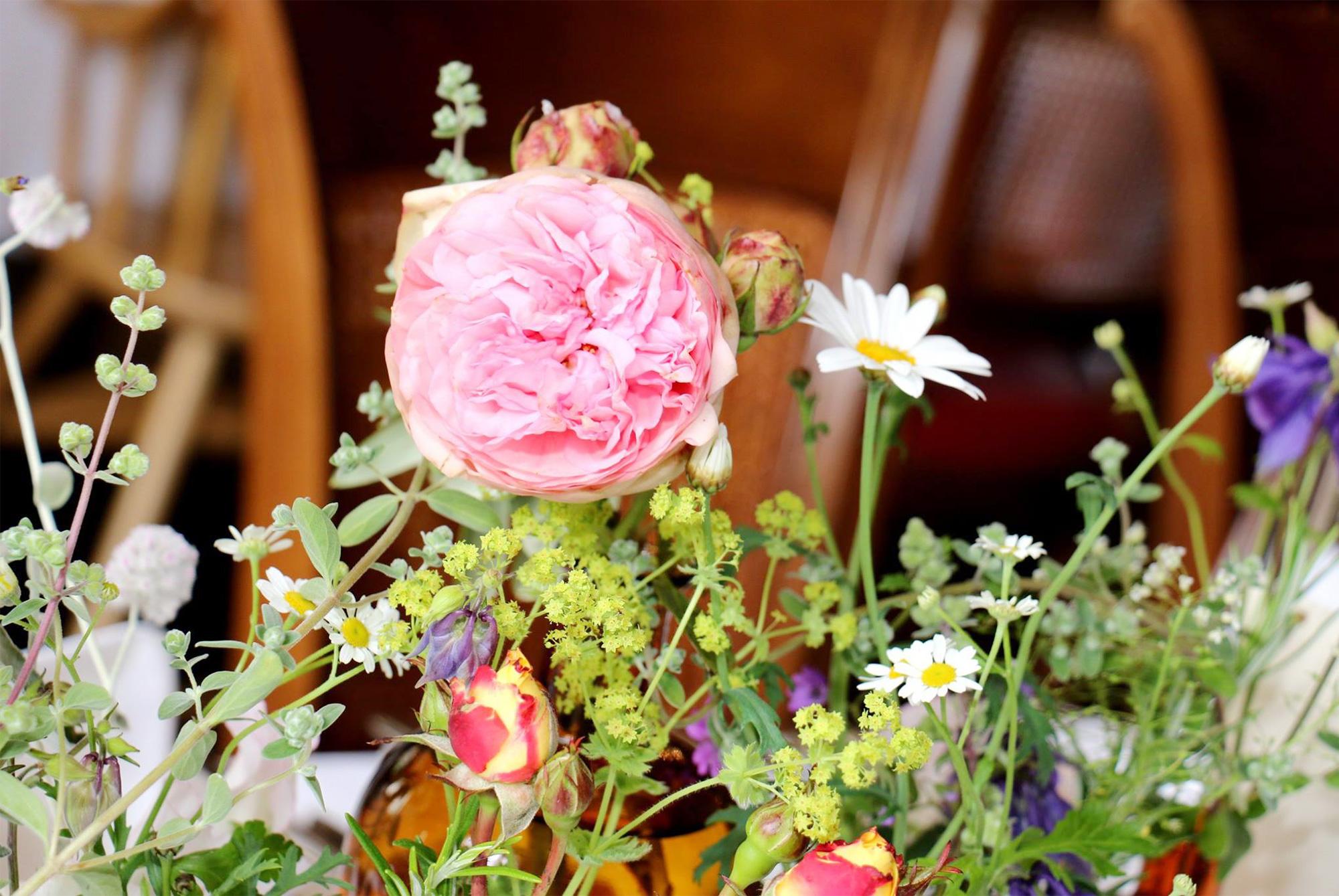 Saisonaler Blumenschmuck für Ihr Zuhause